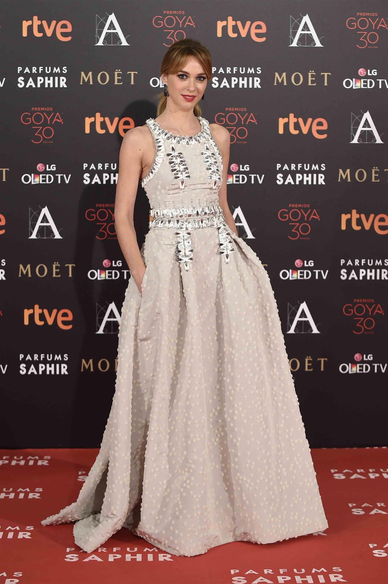 Marta Hazas 2016 Carolina Herrera. Marta Hazas en los premios Goya de 2016 99bfb5bd4c9c