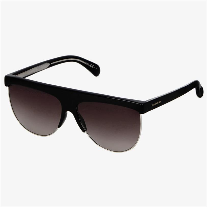 4d84251c9 Paula Echevarría se rinde a las gafas XL (y sabemos de dónde son sus ...