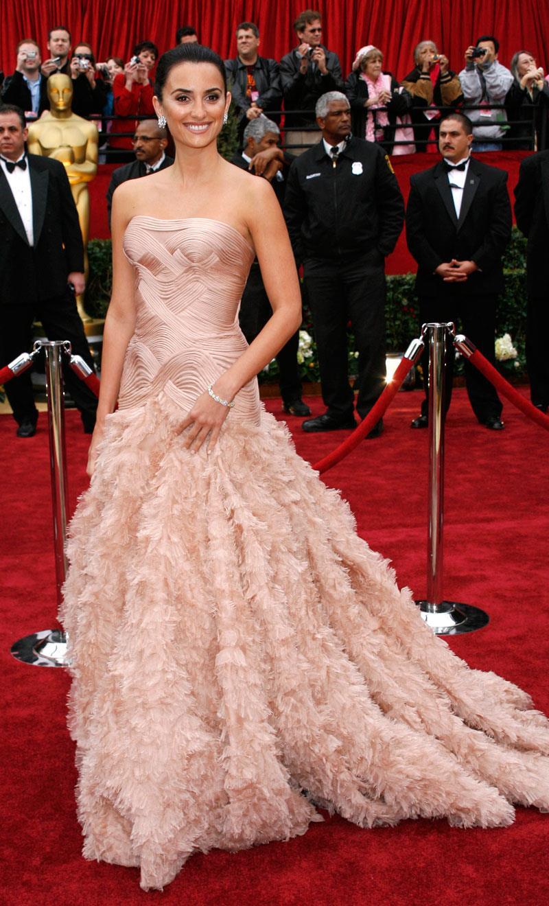 Resultado de imagen de Penélope Cruz en los premios Oscar 2007