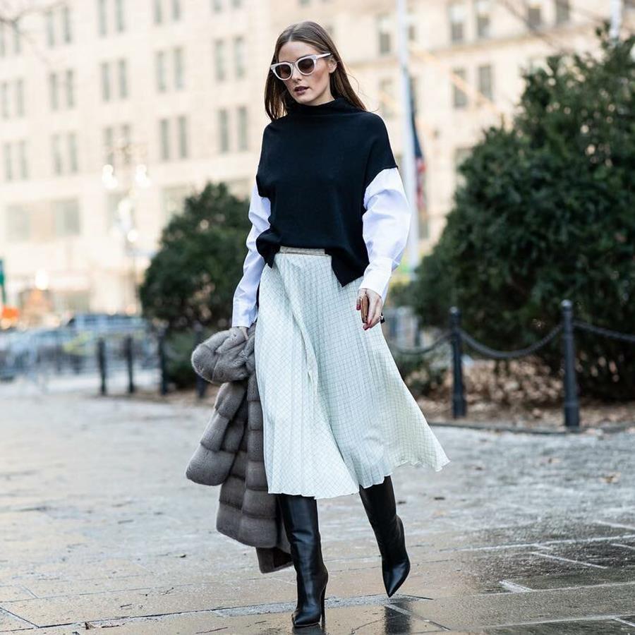 4afa35fb4a olivia-palermo-falda-midi-botas-altas. 12. Olivia Palermo