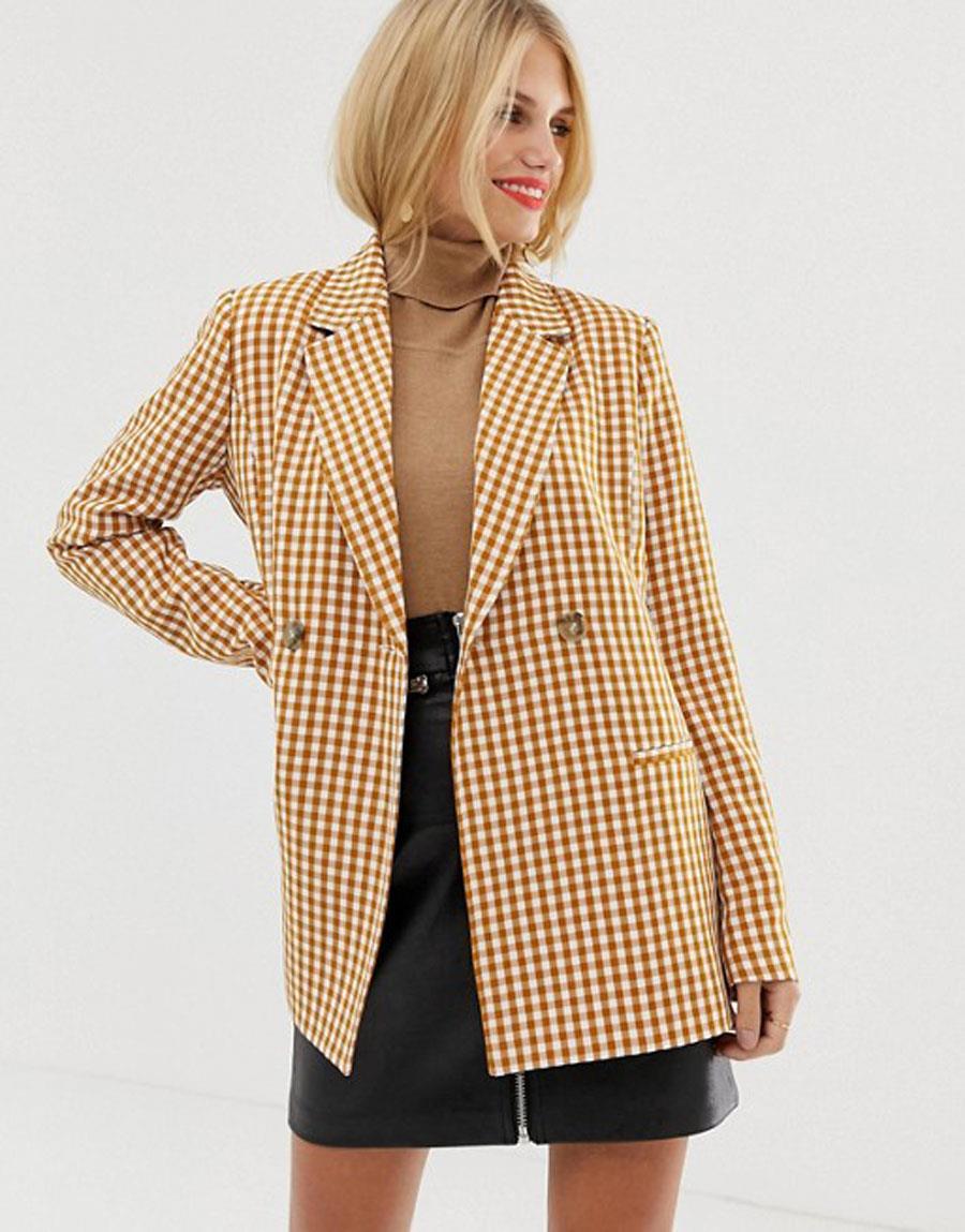 c4236503cea35 blazer-mujer-primavera-verano-2019-de-cuadros. Americana de