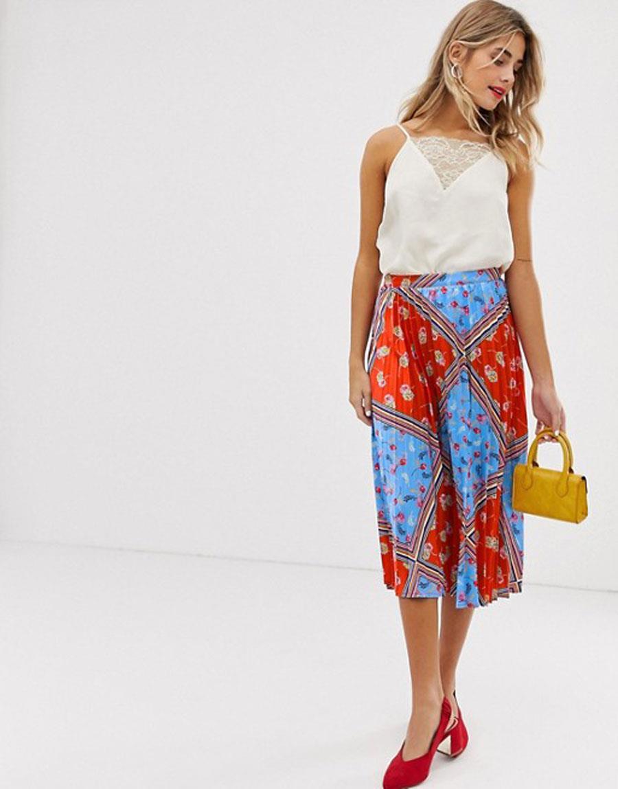 c219f88b57 falda plisada primavera verano 2019 falda con estampado de flores. Falda  plisada con estampado de