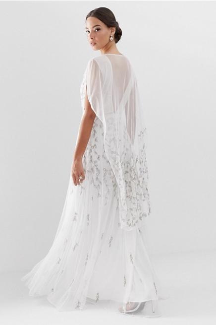 c101850ebcb 2-vestido-novia-barato-asos. Vestido de novia con capa y