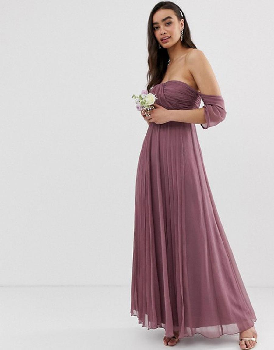 4d21f52aeb vestido dama de honor lila. En color violeta