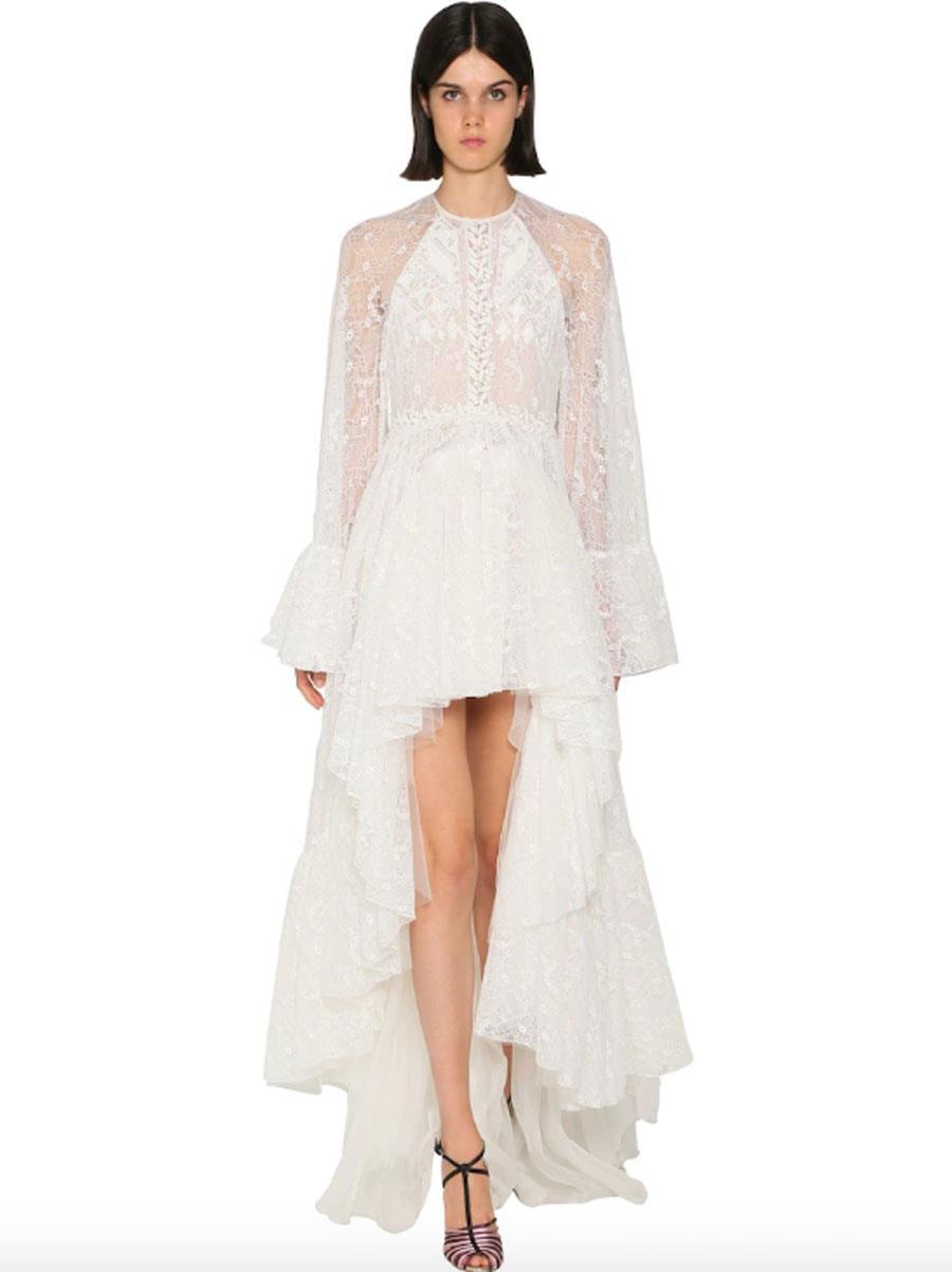 9478d0090e0a1 vestidos de novia de moda primavera verano 2019 asimétrico. Vestido de  encaje asimétrico con mangas
