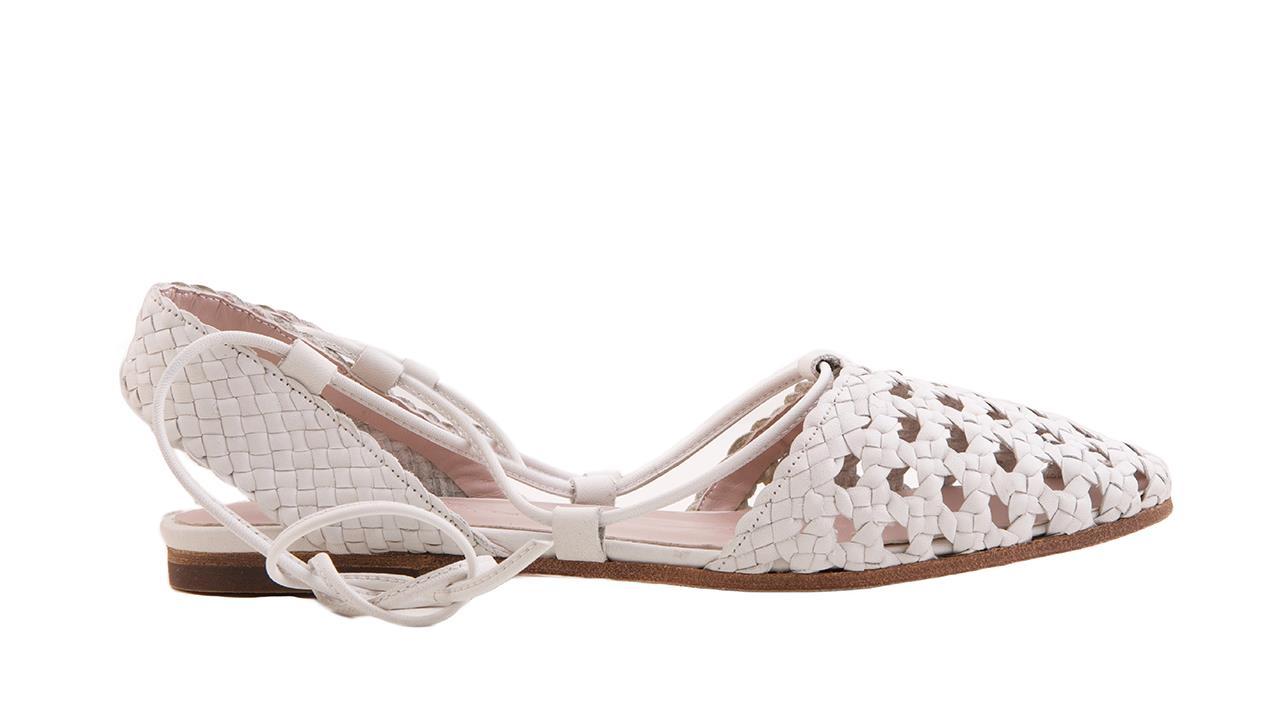6fdcf11c086 Los zapatos planos que más estilizan en primavera-verano - InStyle