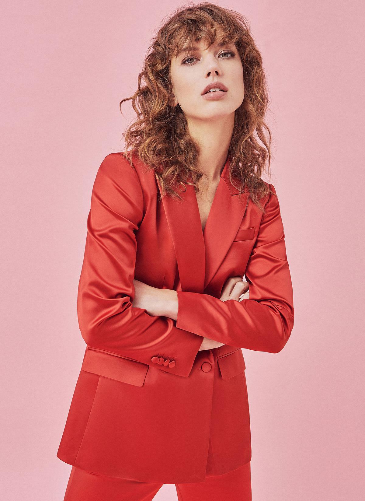 59fdff29bb5 blazer-roja-traje-uterque. Traje de chaqueta rojo