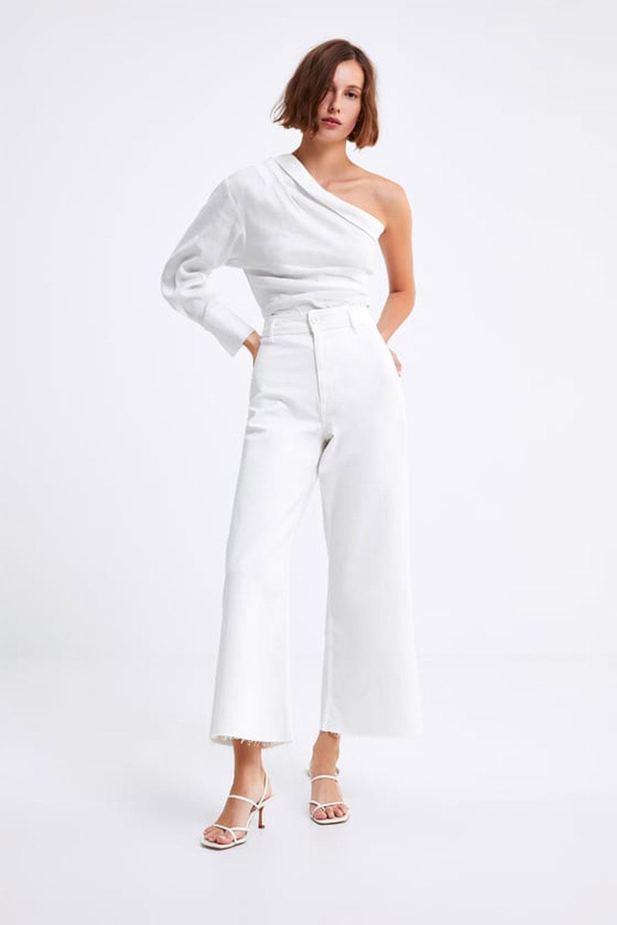 56e271e06 zara-pantalón-blanco-sara-carbonero. Pantalones vaqueros blancos