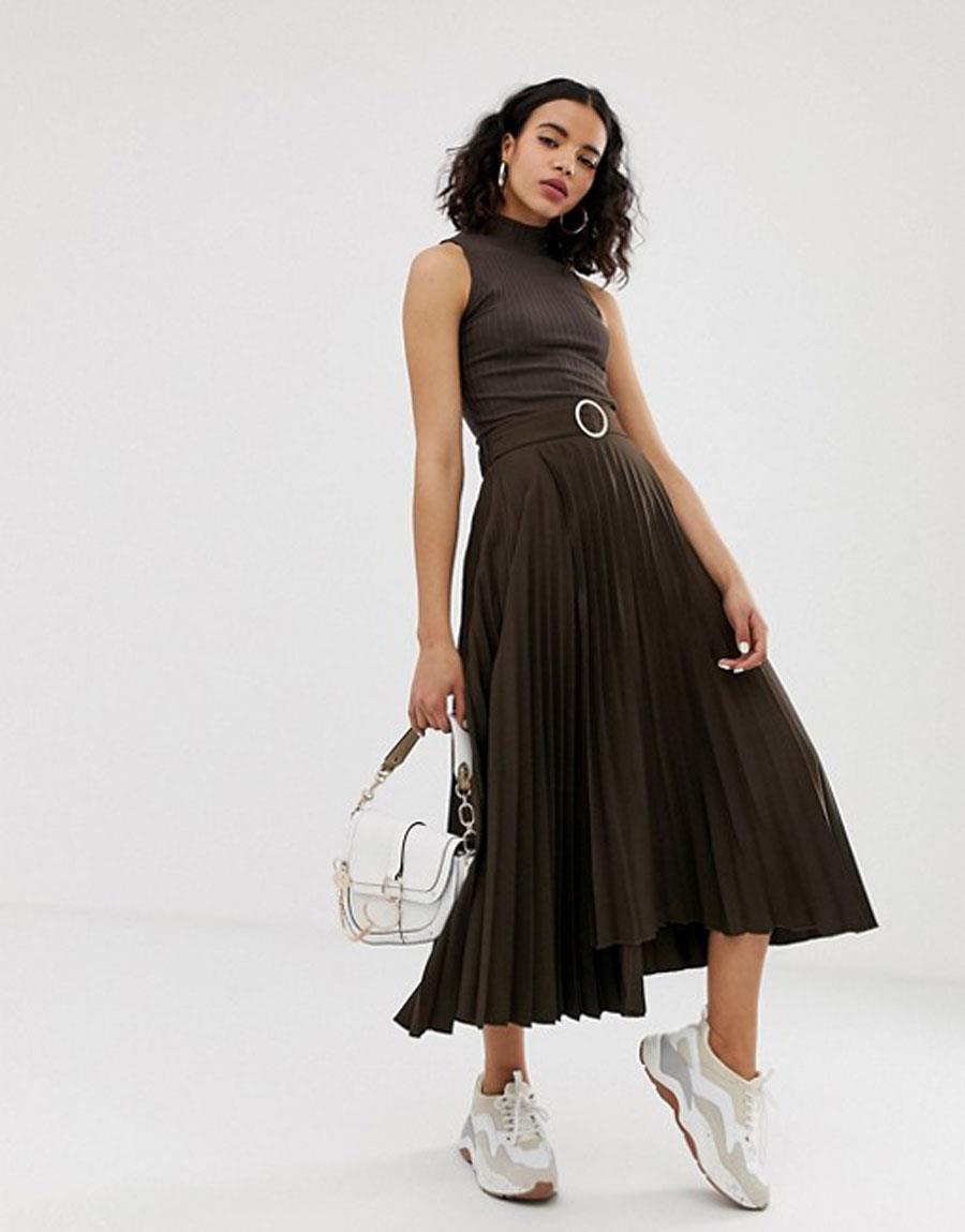 db00273d83 colores-que-combinan-con-gris-falda-plisada. Falda plisada