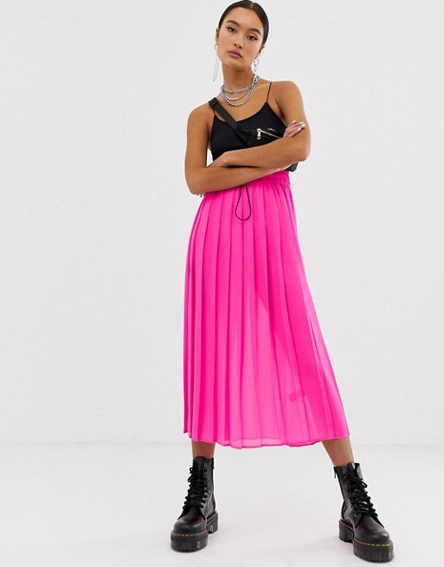 d5c24f50c9 colores-que-combinan-con-rojo-falda-fuscia. Falda plisada