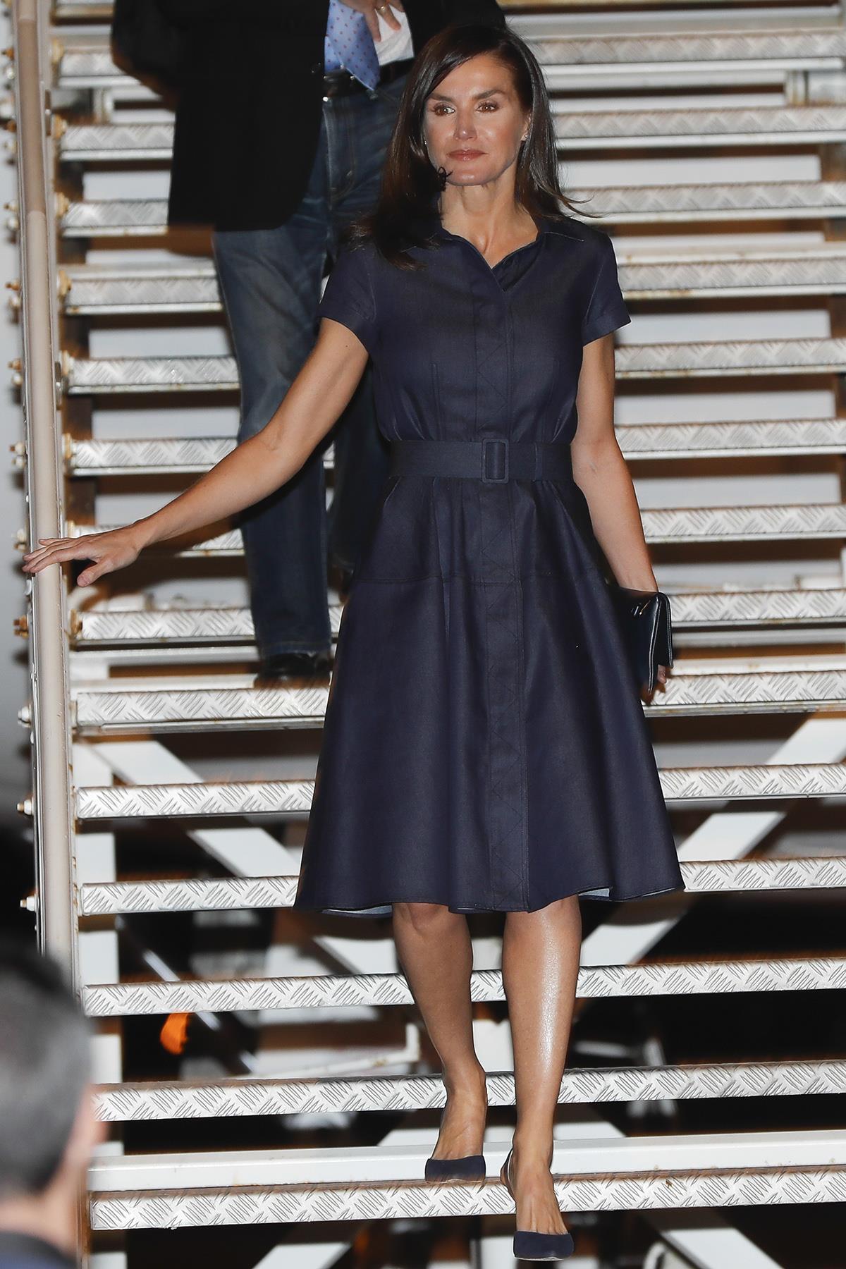 b7562ee5e reina-letizia-ortiz-vestido-camisero5. El vestido camisero de Letizia Ortiz