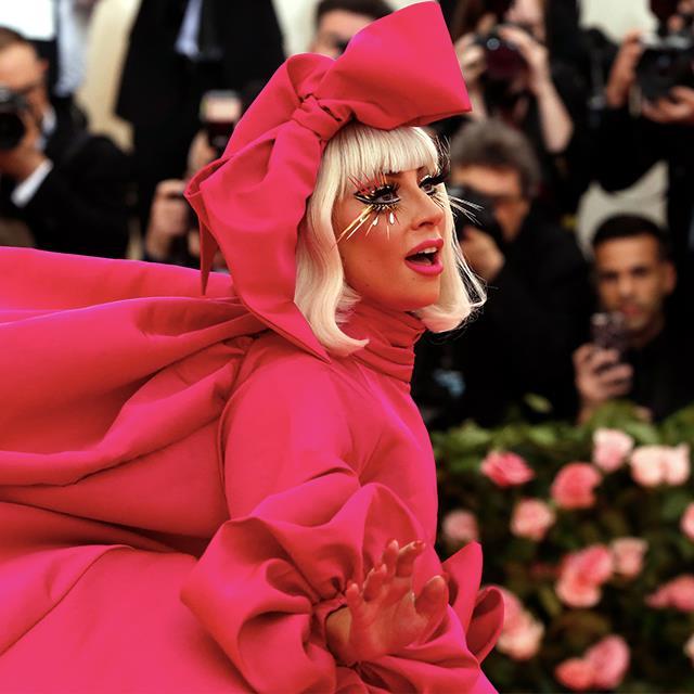 933dcd316b Lady Gaga y sus CUATRO looks en la Gala MET - InStyle