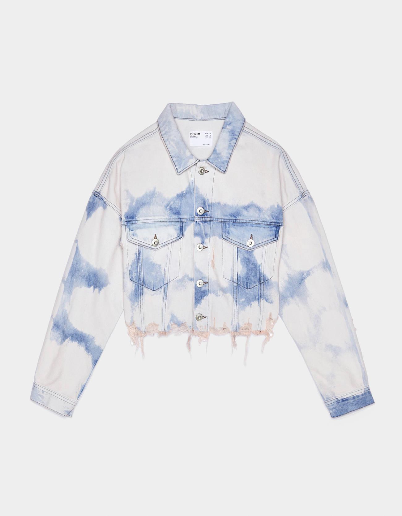 1 3Camisa blanca: look de noche Camisa blanca con adornos