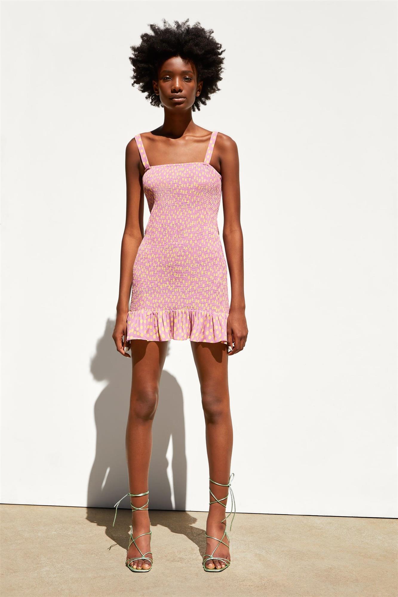 df93b2b07 Rebajas de moda de verano 2019 en Zara, Pull&Bear, Bershka ...
