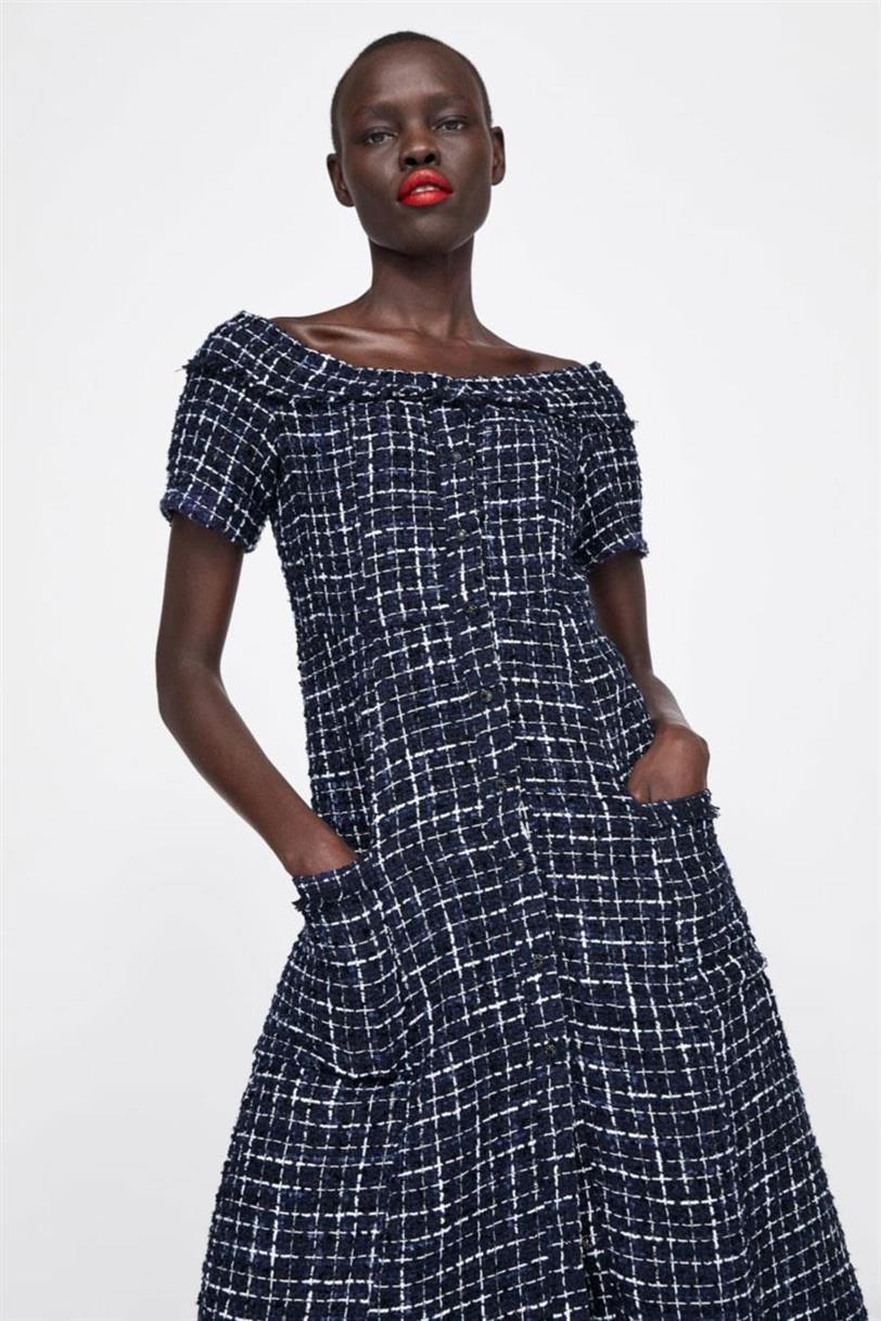 b4c46034d Letizia Ortiz 'rasca' en las rebajas de Zara el último vestido del ...
