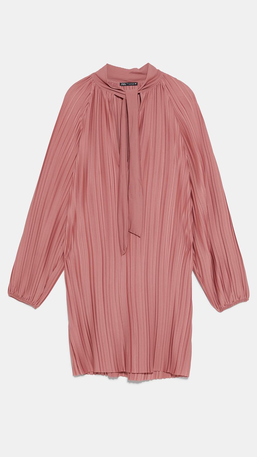 Las 10 prendas de la colección más 90's de Zara que no