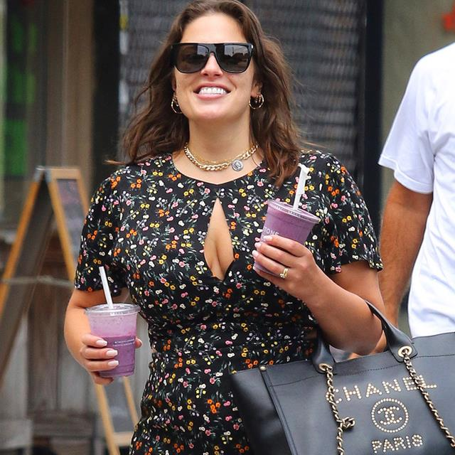 Ashley Graham y sus looks premamá que están revolucionando las redes
