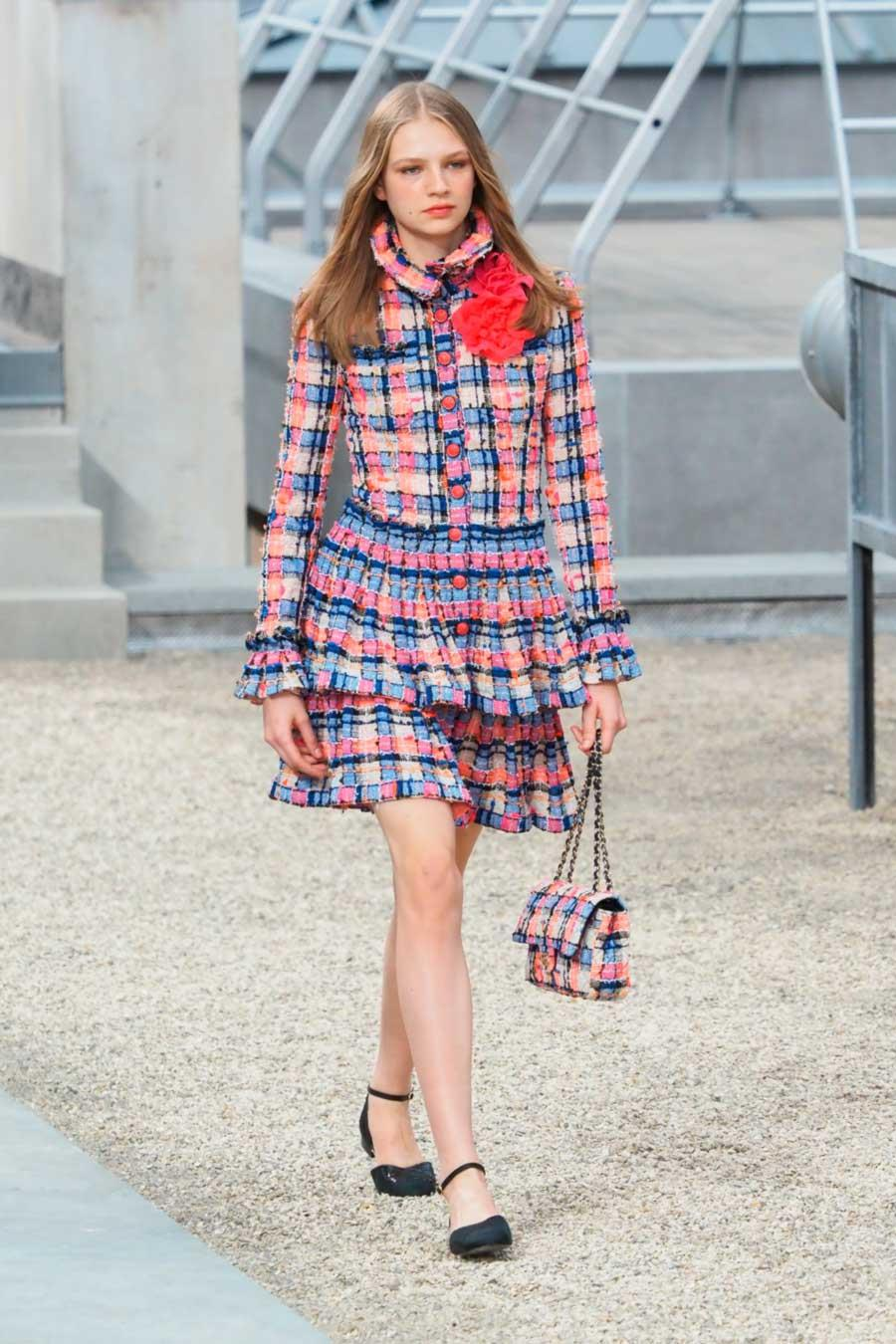 chanel-primaver-2020-vestido-tweed-color