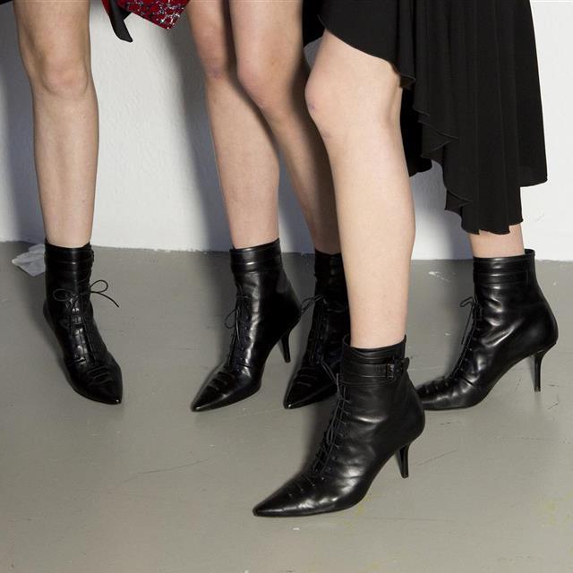 Botas y botines de tacón cómodo para fiesta 2020 en Zara