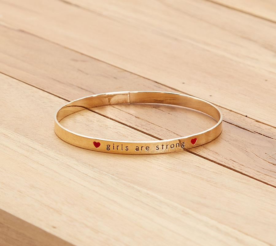 KIABI---PULSERA---GIRLS-ARE-STRONG