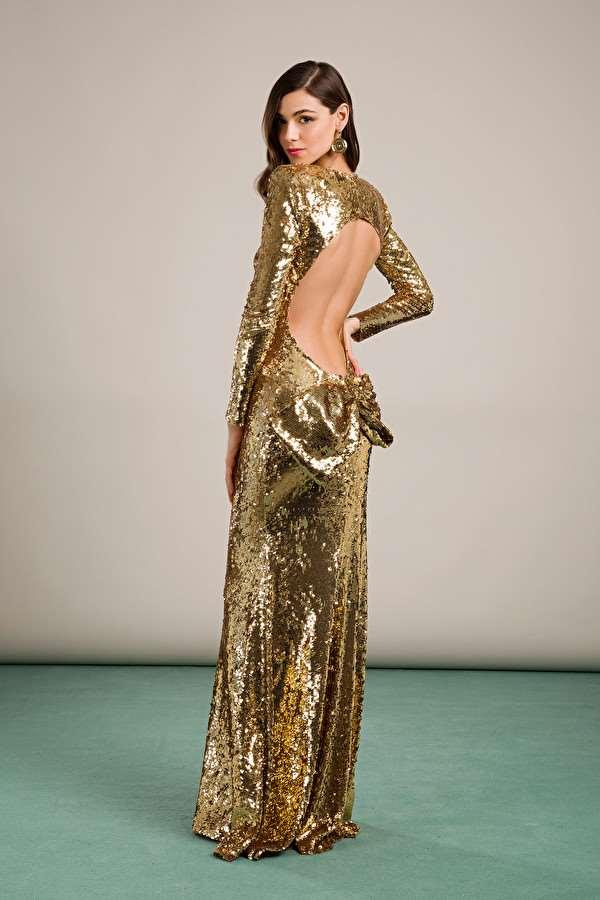 Vanesa Lorenzo Deslumbra Con Vestidazo En Dorado