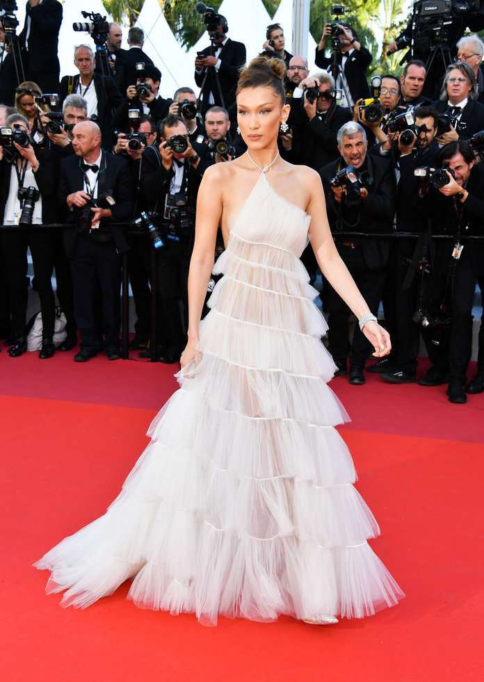 bella hadid GEORGE PIMENTEL GETTY IMAGES