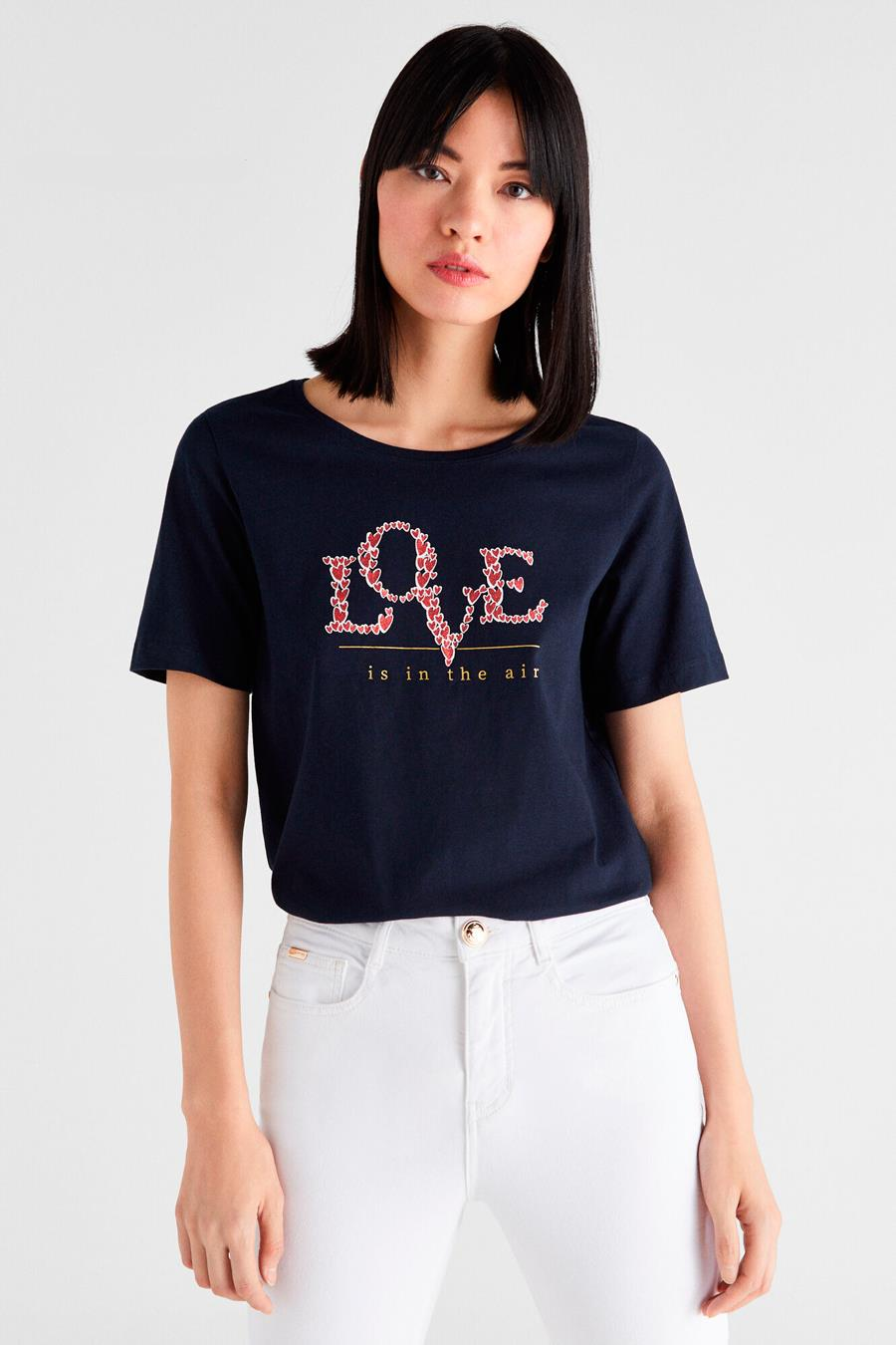 "Camiseta ""Love is in the air"" de Cortefiel"
