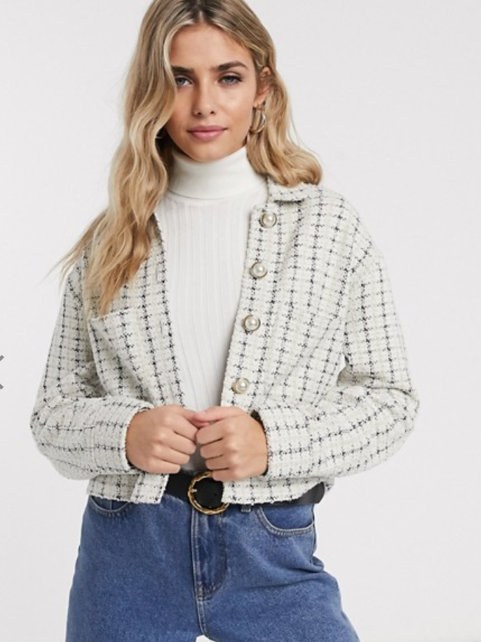 . Chaqueta de tweed con botones, de Miss Selfridge