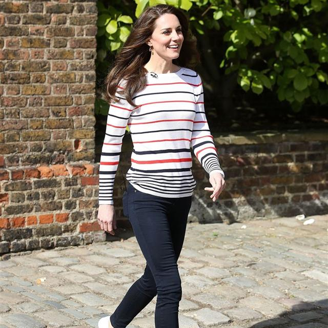 Las zapatillas favoritas de Kate Middleton llegan a Springfield y son el 'perfect match' para tus vestidos y faldas