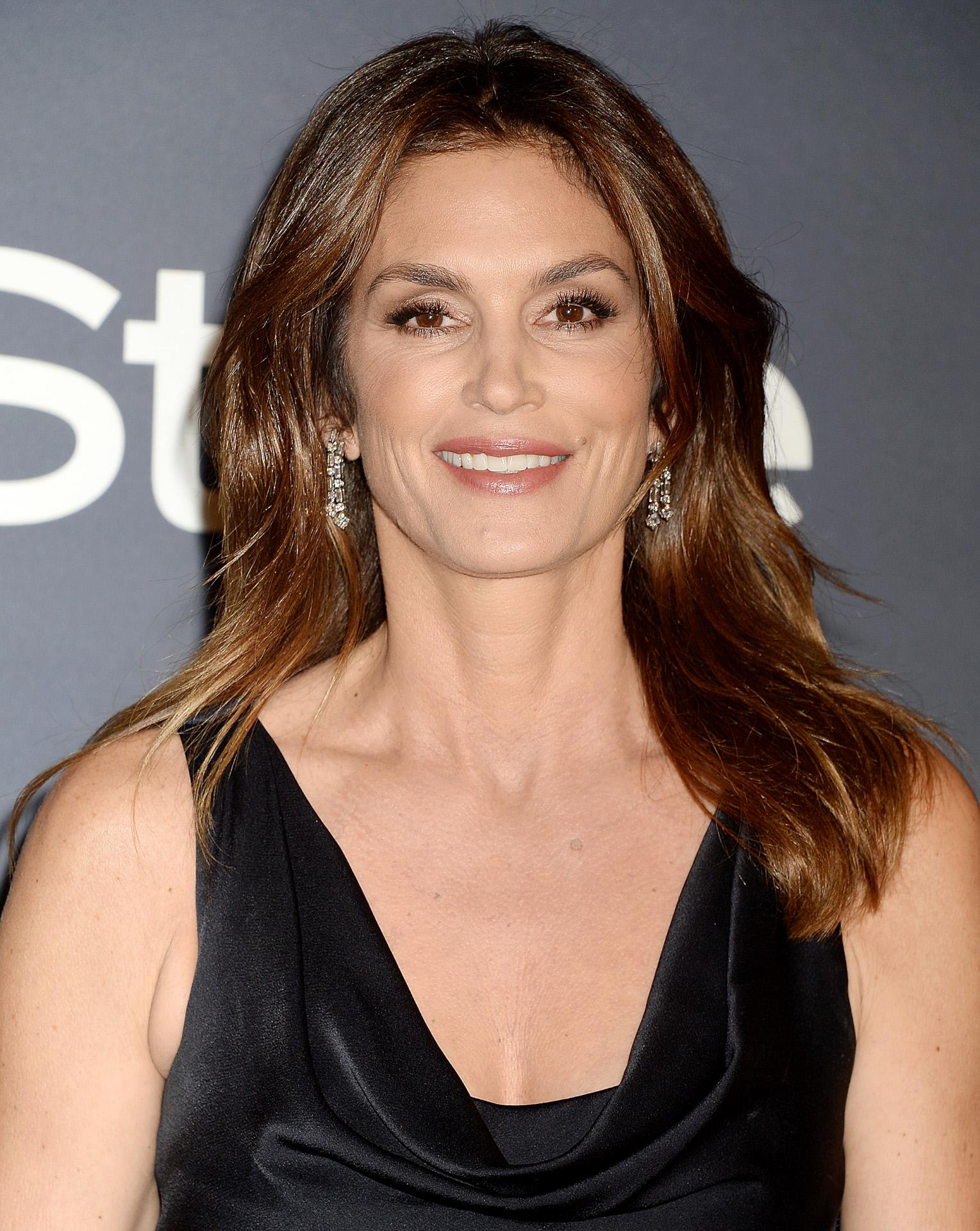 DL u386866 019. Cindy Crawford