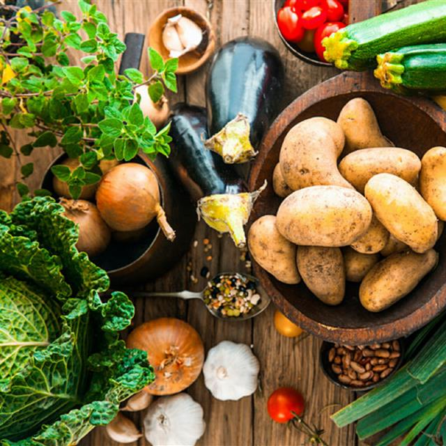 La lista de alimentos que deberías tomar para no engordar durante la cuarentena el plan de ejercicios perfecto - que alimentos comer para no engordar 519fca37 640x640
