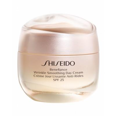 A partir de 50 años: Benefiance wrinkle smoothing Day Cream, Shiseido
