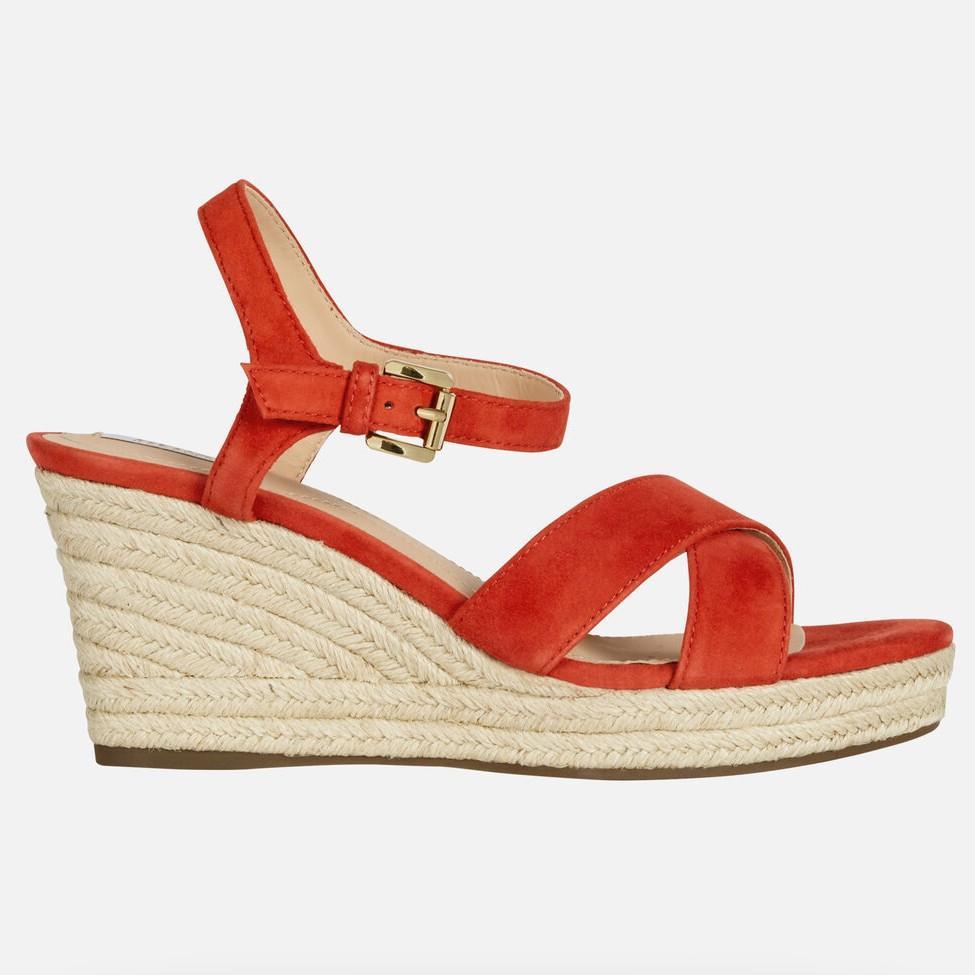 insulto Girar Lo siento  10 sandalias de cuña MUY bonitas que todavía puedes comprar en las rebajas