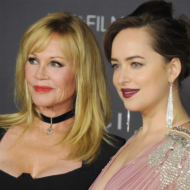 Melanie Griffith sube a Instagram su foto más bonita con Dakota Johnson