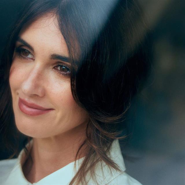 Paz Vega nos da la clave para que el maquillaje favorezca con 20 o 50 años