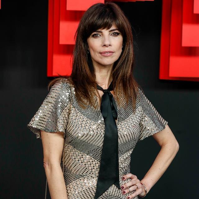 Maribel Verdú tiene el look parisino que más estiliza, alarga la figura y te quita 10 años de encima