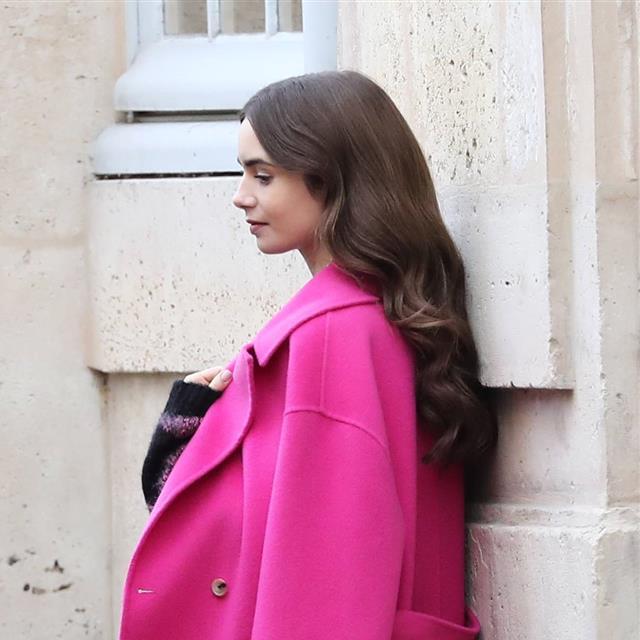 Cómo conseguir el PELAZO de Lily Collins en 'Emily in Paris', la serie de moda de Netflix