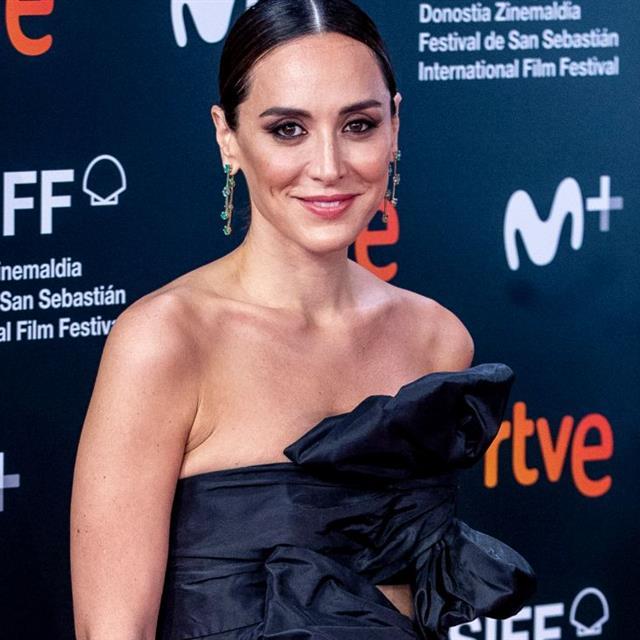 Tamara Falcó encuentra la blusa brillante que te pone feliz el fin de semana