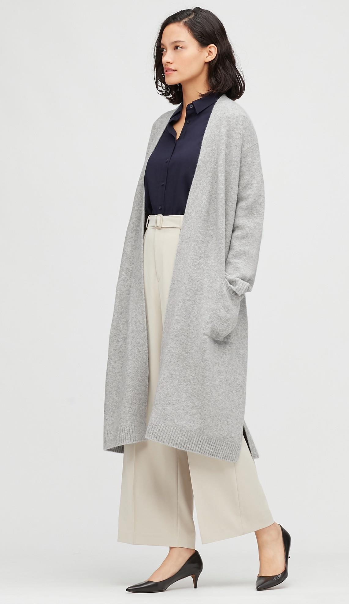 Cardigan largo en gris de Uniqlo