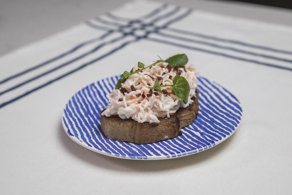 Pintxo  los mejores restaurantes donde pedir comida en casa - pintxo donostiarra con jamonbaja ba674111 1002x668