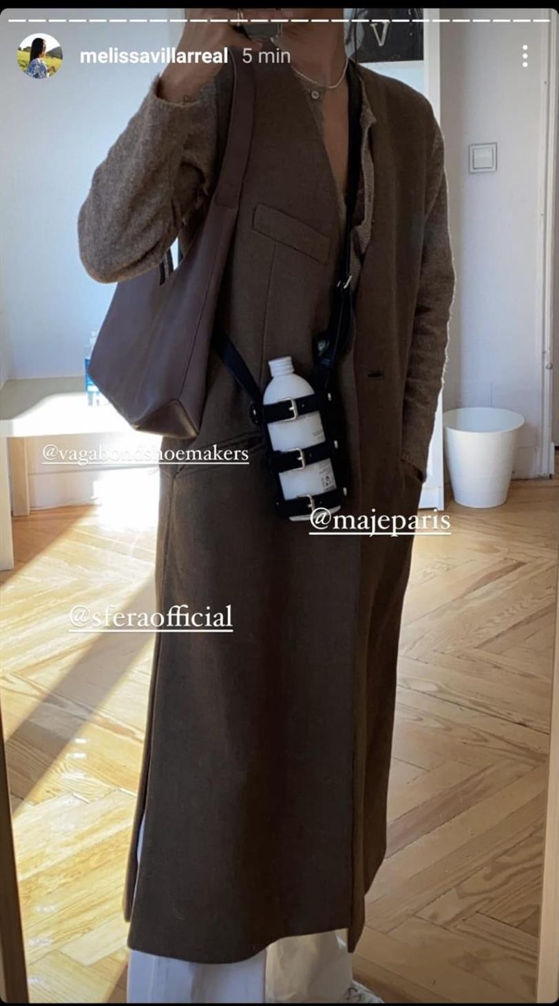 Melissa Villarreal con chaleco largo de Sfera
