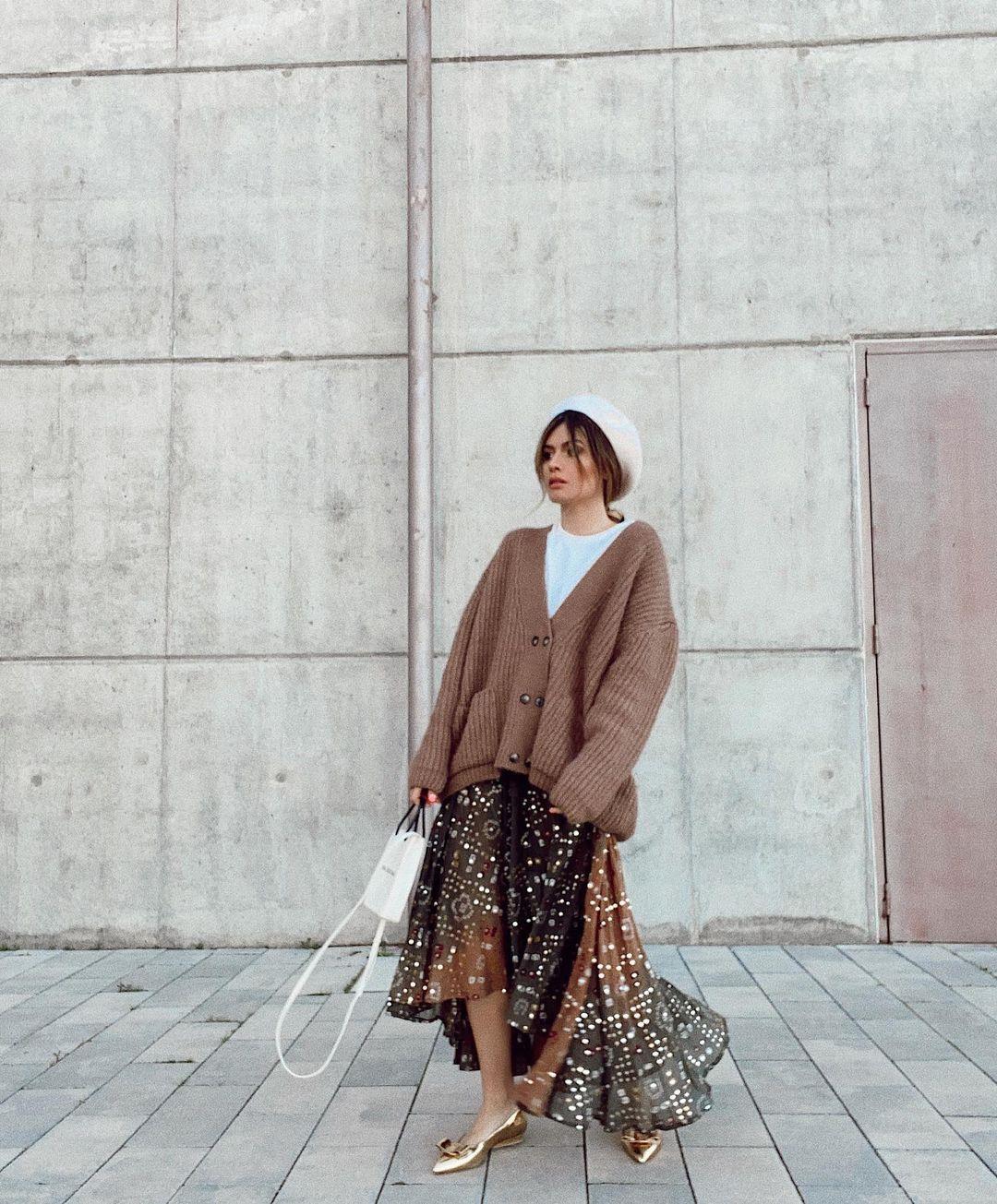 Madamederosa. Sequin skirt with oversized cardigan