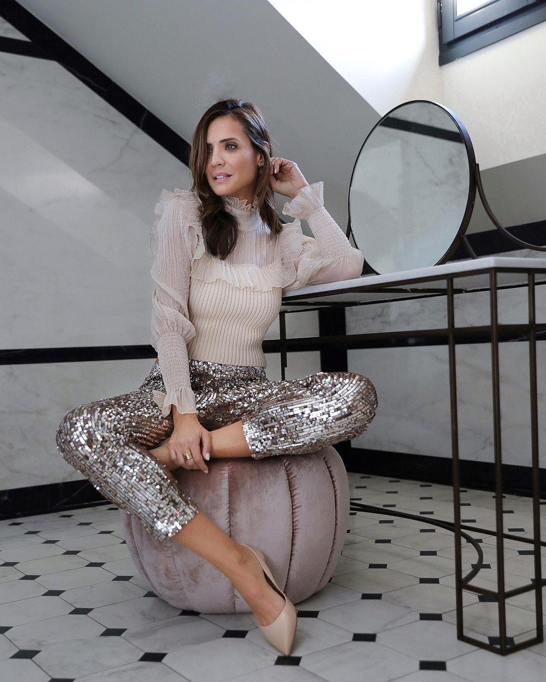 ladyaddict. Look with sequin pants