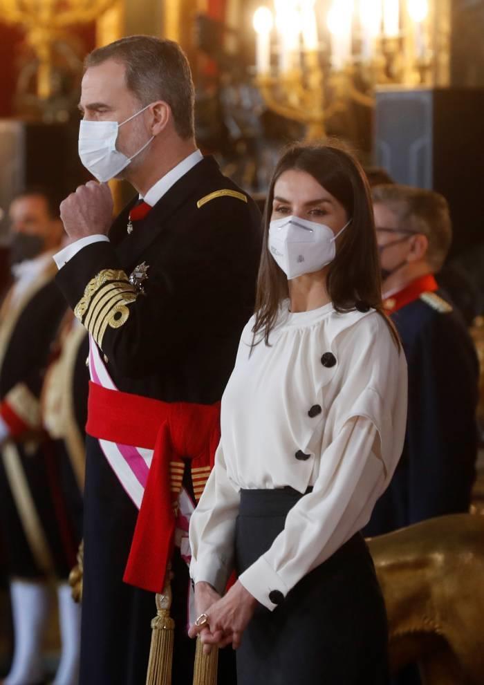 Letizia Ortiz with white shirt