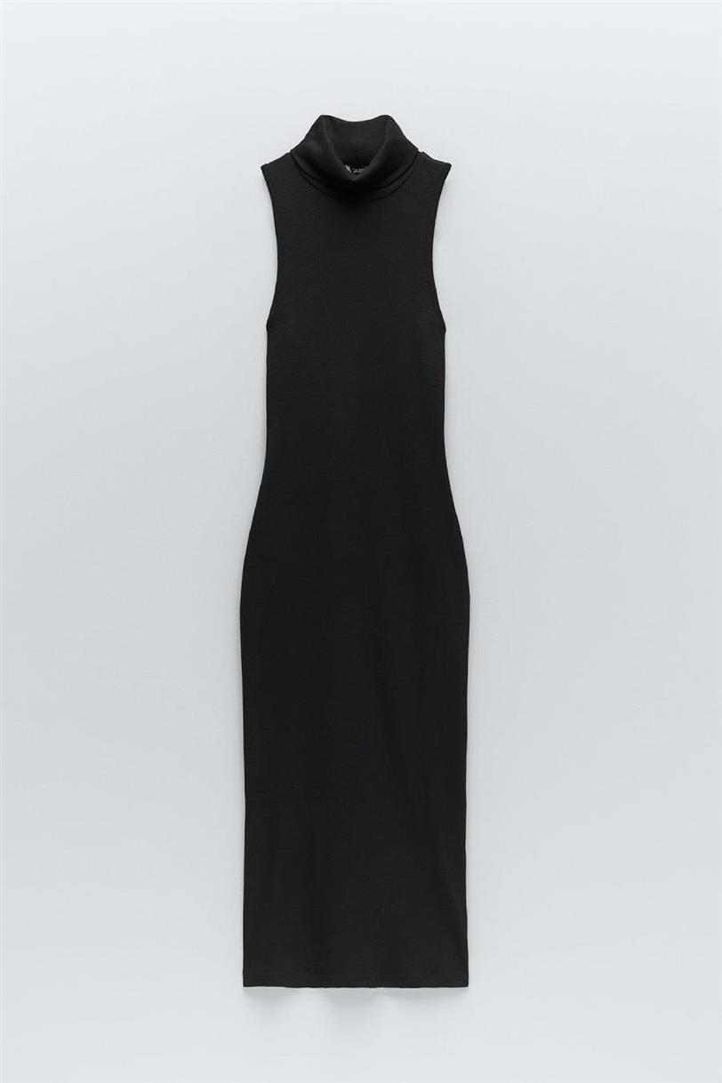 Alexandra Pereira estrena el vestido negro de Zara que hace tipazo